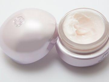 Crema para usar en el contorno de los ojos