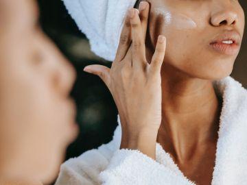 Reduce las arrugas de tu piel con estas cremas ricas en colágeno. Foto de Pexels