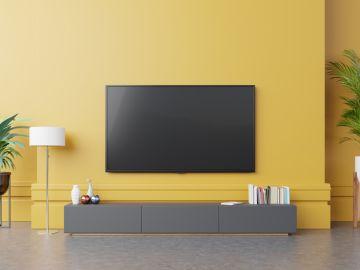 televisor en la sala de la casa