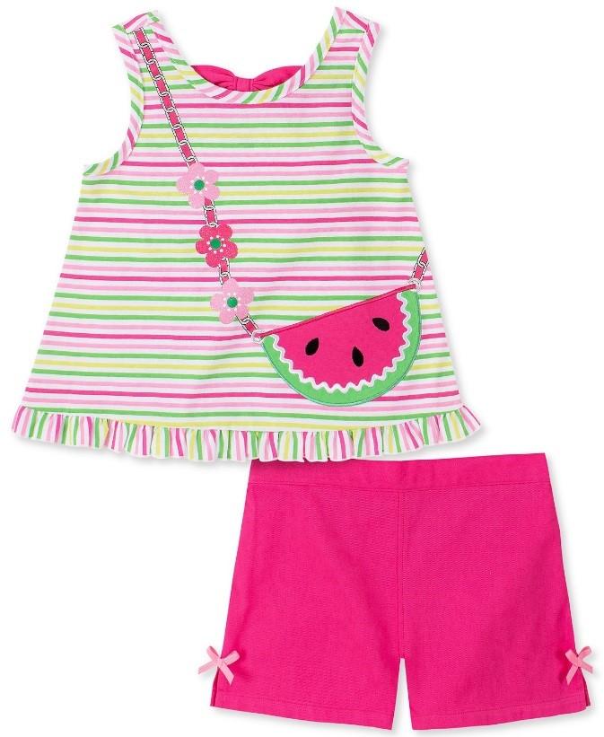 set de ropa rosa