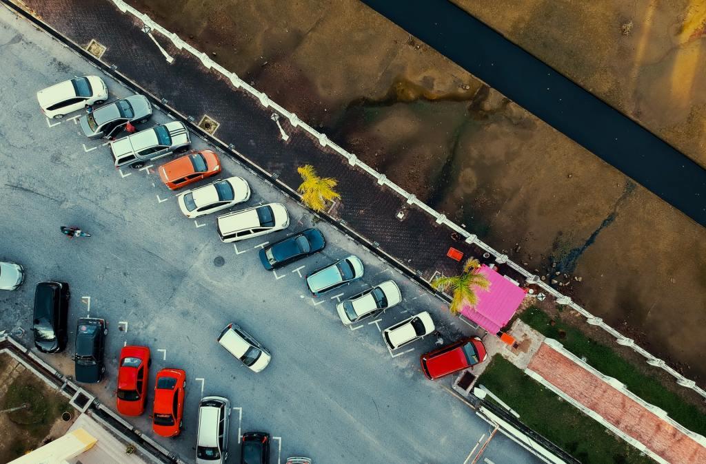 estacionamiento lejos de la ciudad de nueva york
