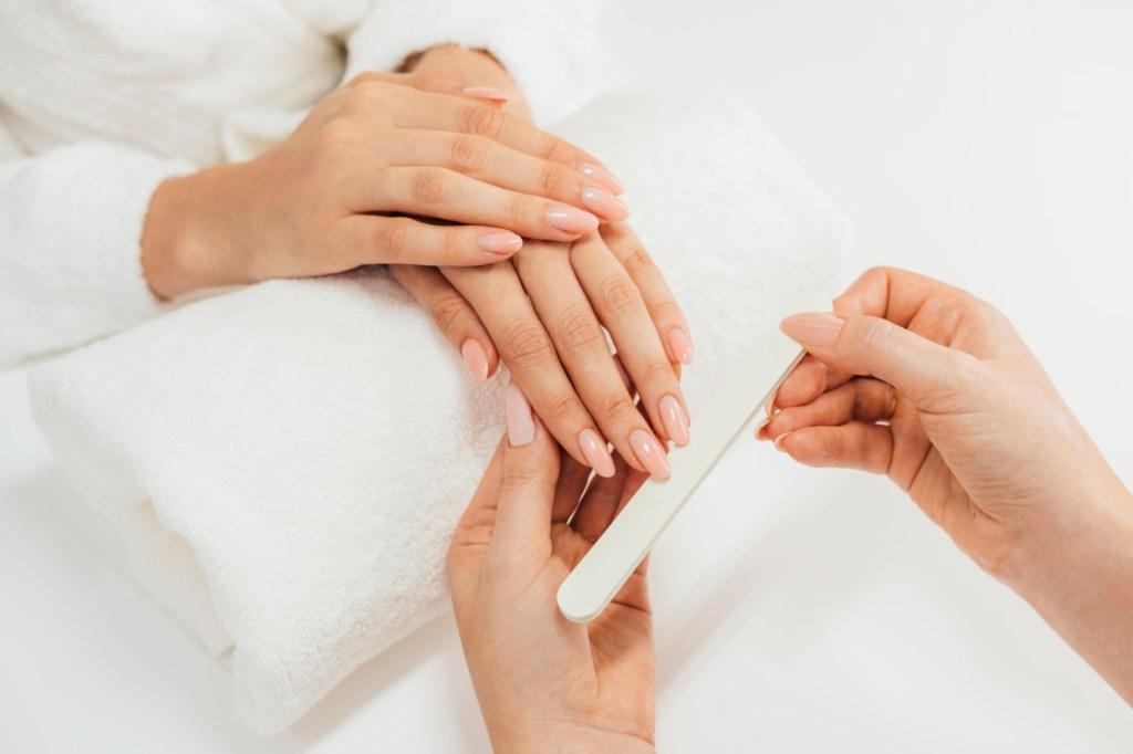 manicure sencilla