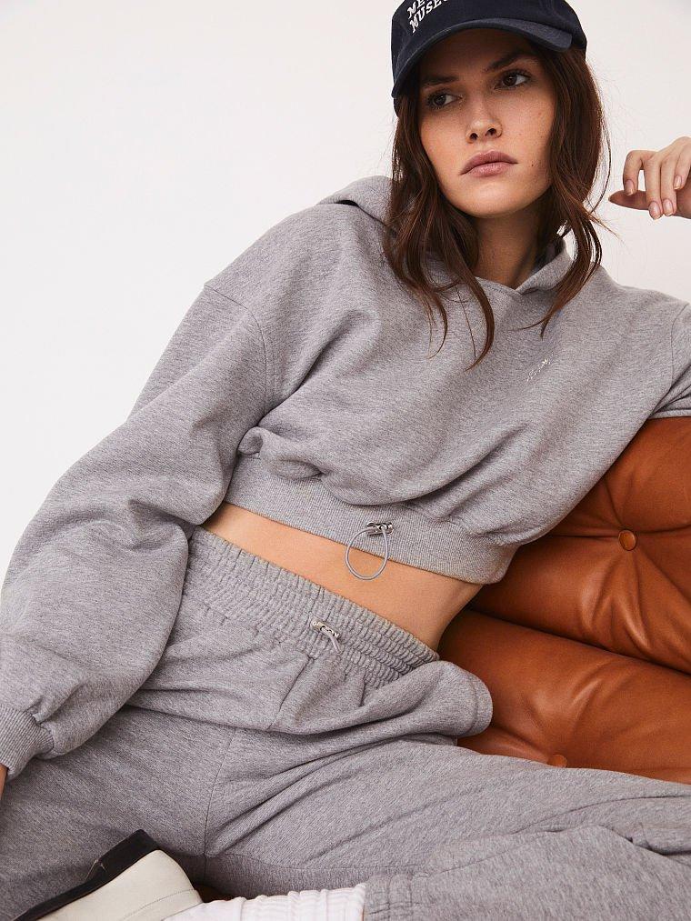 pantalón gris de algodón