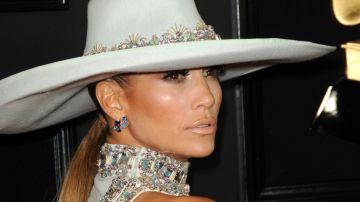 Comprar un perfume creado por tu ídolo favorito es un plus ¡y más si tu ídolo es JLo! Disfruta de las fragancias más populares de Jennifer Lopez
