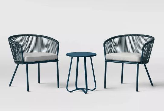 Juego de sillas con mesa