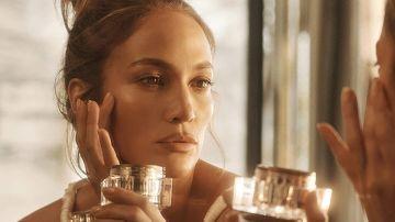 La línea de productos de belleza y cuidado de la piel de JLo Beauty incluye cremas, mascarillas, y mucho más.