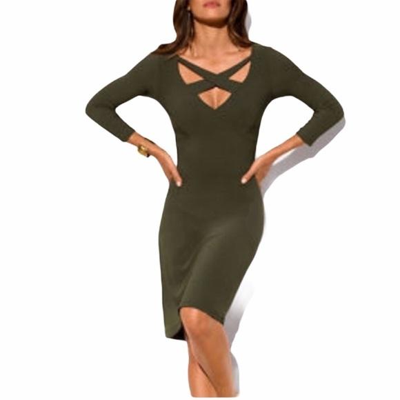 Vestido verde con escote cruzado Proper