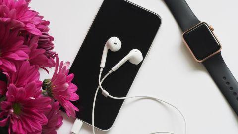 productos apple sobre la mesa